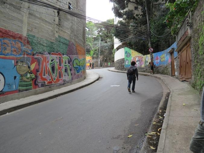This is close to the corner of Avenida Princessa and Atlantica (not far from Babilonia).