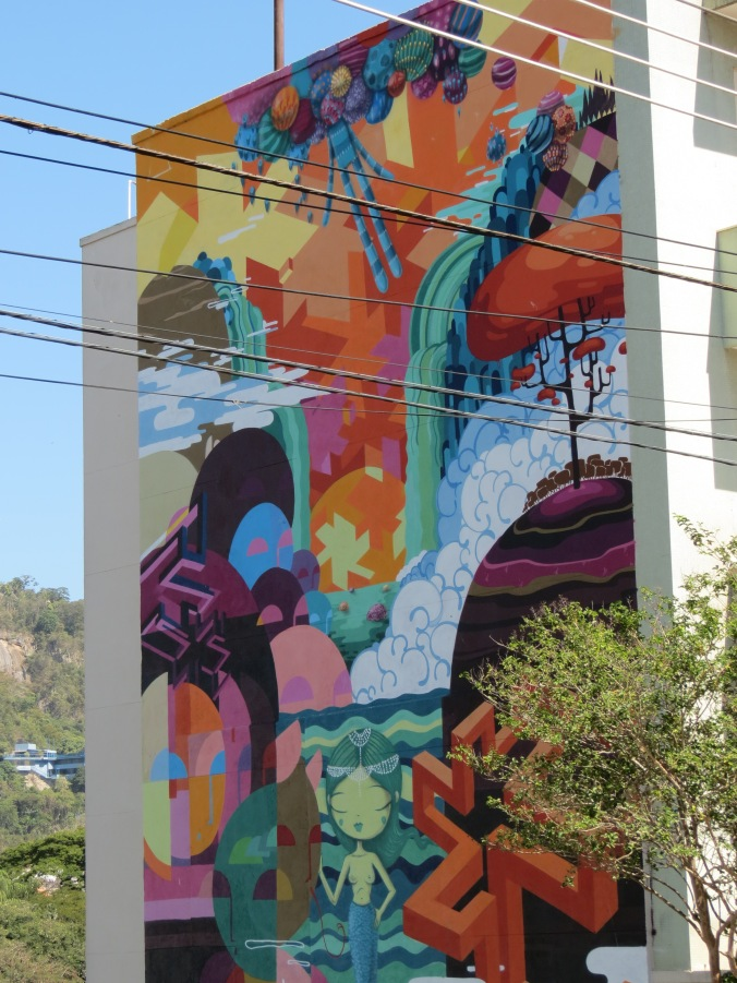 A full wall mural we spotted on the way to the Parque Das Ruinas (another great viewpoint).