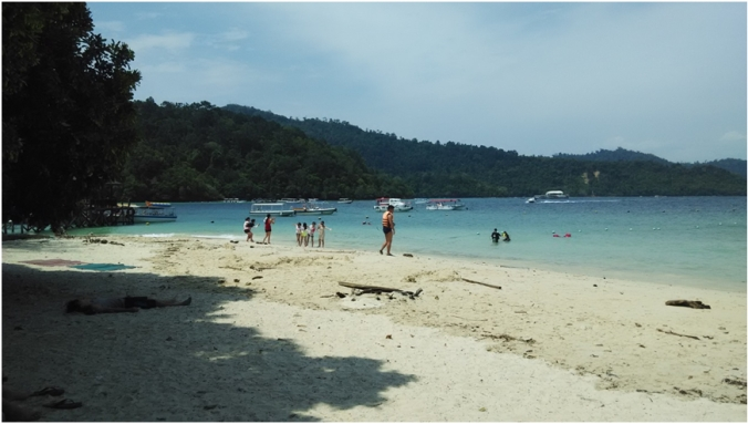 Sapi Island can be a bit crowded, but is beautiful!
